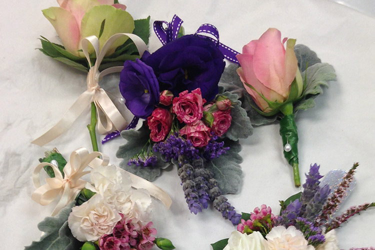 wrist_corsage_and_buttonhole